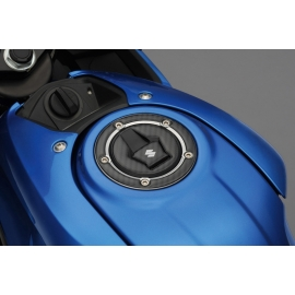 Kryt víčka nádrže Suzuki karbon vzhled, originál