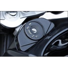 Kryt zámku zapalování karbon vzhled Suzuki, originál